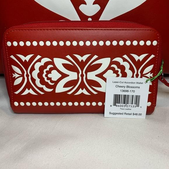 Vera Bradley Handbags - Vera Bradley Bag & Wallet set